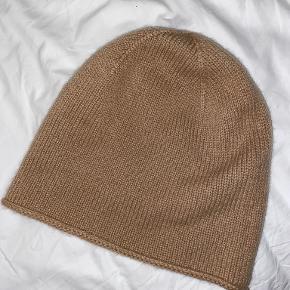 COS hat & hue