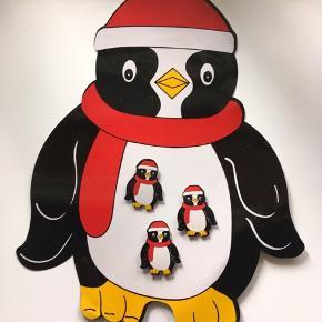 Sjov lille pingvin opslagstavle med magneter, der kan skrives på maven.