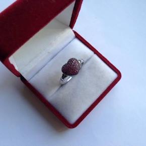 Flot ring fra Kranz & Ziegler i sølv 925.  Indvendig diameter: Lige knap 1,9 cm.  Stemplet: 925. KrZi