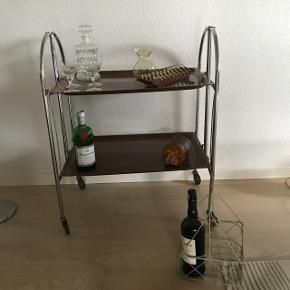 Gl barbord  eller afsætningsbord til salg                                                                    550kr   Randers nv ofte Århus Ålborg Odense København mm  Til salg på flere sider