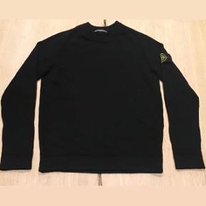 Sælger denne lækre uld sweater da den dsv ikke var noget for mig alligevel. Trøjen er brugt 2-3 gange så derfor fremstår den som ny og vil derfor helst have gerne have 1000 kroner for den.  Alt medfølger.