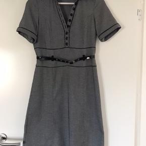 Brugt få gange, meget unik kjole  Er som ny😃