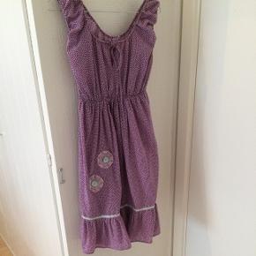 Smuk dumilde kjole i str. 1 (passer fint en small og medium).