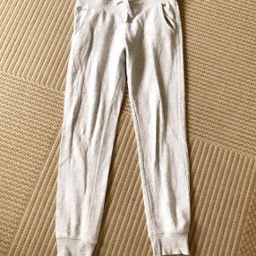 H&M gråmelerede joggingbukser str 146 cm 10-11 år