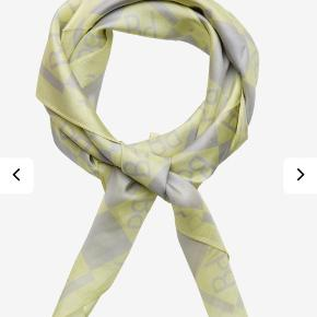 Rigtig fint tørklæde fra Baum und Pferdgarten 💛