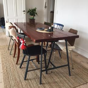 Lækkert og robust plankebord. Ikea ben medfølger