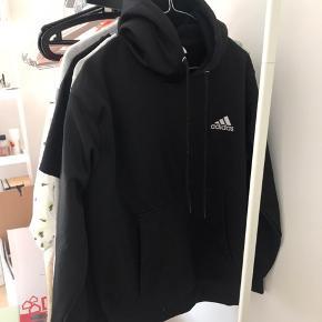 Adidas hoodie, som jeg aldrig har fået brugt  #secondchancesummer