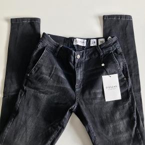 """Størrelse 28""""/32"""" Nye lækre jeans. Model Sena #Secondchancesummer"""