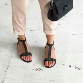 Smukke sandaler, kommer i original kasse med dustbag Bytter ikke