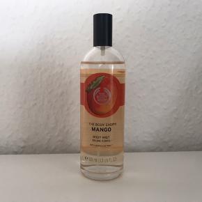 Mango body mist 100ml. Kun brugt to sprøjt.