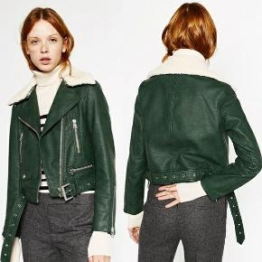 SIZE M but it's so fit that it is more of Small size.  Very cool jacket from Zara , sold out everywhere.