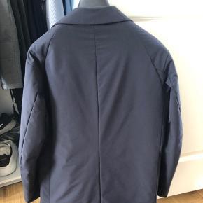 Sælger denne jakke fra Aspesi, da jeg meget sjældent får den brugt, den fejler dog ingenting og er brugt max tre gange.