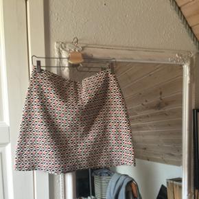 Sælger den fineste nederdel fra pull&bearStr L (elastik) Køber betaler fragt 😜🌻