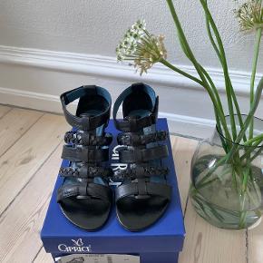Caprice sandaler