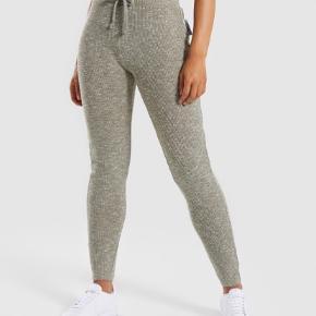 Helt nye bukser - aldrig brugt.  Kunne dsv ikke passe dem....