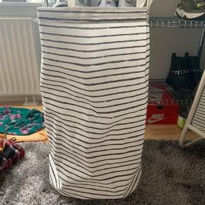 Ikea vasketøjskurv