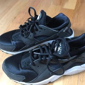 Super fine Nike sko, næsten aldrig brugt 😁