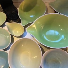 Brand: Dorthe Hybel Varetype: Keramik Størrelse: mange Farve: lyse farver  Kan ikke sendes, skal afhentes.    Smukkeste keramik af kunstner fra Blågårdsplads Kbh.