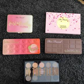 Lækre paletter:  Too faced, just peachy mattes, 150 kr. (aldrig rørt)  Too faced, funfetti, 75 kr.   Too faced, sweet peach, 150 kr. (brugt få gange)  Too faced, semi sweet chocolate bar, 100 kr.  Mac, in the flesh, 250 kr. (aldrig rørt)