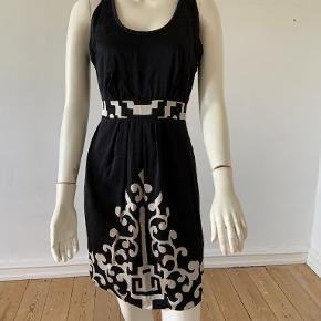 Tibi kjole
