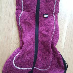 Lække hundetrøje i flot pink med lynlås. Str. 30 cm