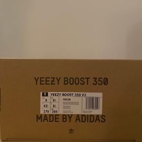 """Yeezy Boost 350 """"Yechei"""" str. 42 2/3EU.  Helt nye stadig med mærke og medfølgende box.   Pris: 2250kr"""