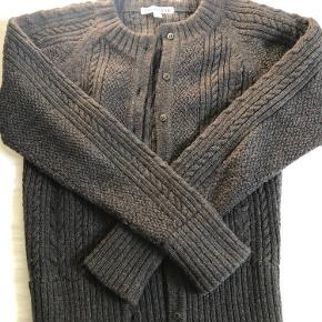 Lækker uld cardigan fra Tricotage. 100% uld. Kun prøvet på. Byd