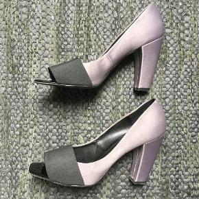 Sara' heels