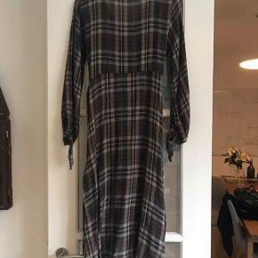 Kjole fra Zara (brugt 1 gang) 😁
