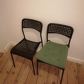 4 haves. Tilhørende bord sælges også. Afhentes i Aarhus C. 50kr stk
