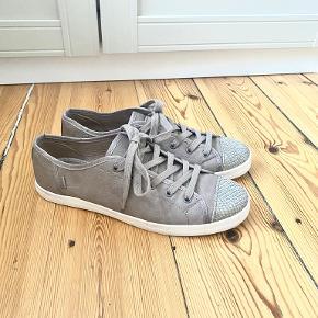 Bershka sneakers