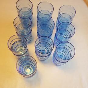 20 stk blå vandglas fra Ikea. Fejler intet. Flere er aldrig brugt.
