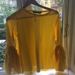 Aldrig brugt gul bluse fra zara