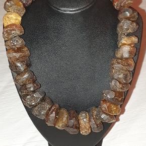 Halskæde, rav. Store stykker rav i rustik halskæde