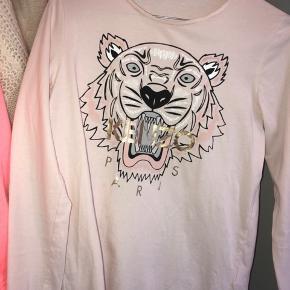 Denne Kenzo trøje er i rigtig god stand. Den kostede 749,- fra ny MP: Byd