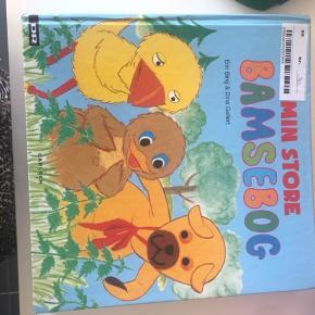 Tyk bamse og kylling bog, med flere historier og sange