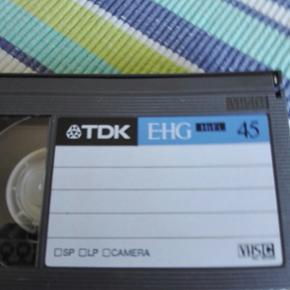 Heh har et helt nyt TDK E-HG HIFI VHS C BÅND som jeg gerne vil sælge. Prisen kan forhandles. Varen kan sendes- køber betaler fragt
