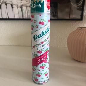 Dry shampoo cherry ALDRIG brugt