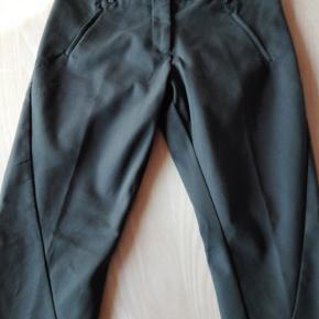 Super fine bukser fra Fiveunits i brun. Model Angelie. Str. 29. Købt brugt, men er desværre for store til mig. Liv: 41 x 2
