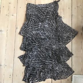 Lang flot nederdel fra H&M i str S/M🌸