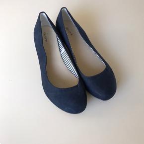 Sommersøde sko med kinahæl brugt meget lidt:)