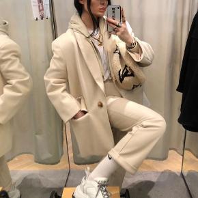 Hættetrøje med lyslås + jakke