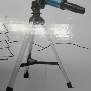 Nyt teleskop med trefod.