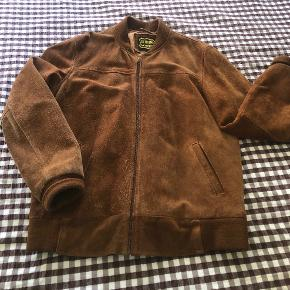 Urban Outfitters skind- & læderjakke