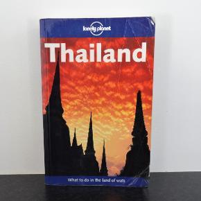 Thailand What to do in the land, Lonely Planet   En rigtig god rejsebog om Thailand på på 897 sider  Bogen er på engelsk og har mange fotte billeder  Sender gerne hvis køber betaler fragt 36 kr sendt med GLS og er med forsikret forsendelse  Leveringstid 1 -2 dage  Kan betales med mobilepay eller med banloverførsel