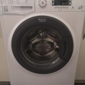 Skal væk nu inden søndag... Ellers sendes den videre.  Hotpoint ariston vaskemaskine, 9 kg tromle, A+++ mærke. 4 år gammel. Den er begyndt at larme lidt mere under vask. Vi har haft en autoriseret mand ude og lave fejlsøgning, men han kan ikke finde noget. Den virker super fint til trods for lyd. Vil gerne af med det hurtigst muligt.