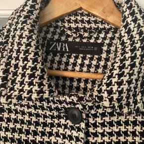Zara kjole som ny kun prøvet på