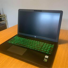 HP Pavilion Power 15-cb0xx Sælger min computer, da jeg ikke bruger den så meget mere, og vil have en ny. Den er i perfekt stand. Har kvitteringen.  Specs  Intel Core i5-7300HQ 2.5ghz boost to 3.5ghz (7.gen)  8gb RAM  1TB HDD  500gb m.2  NVDIA GeForce 1050 4gb  B&O play  Windows hello