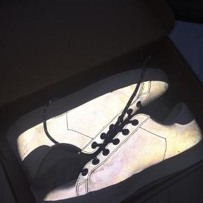 Stan Smith sneakers special edition  med refleks Original kasse medfølger