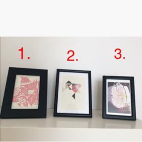 Billeder inkl. rammer: 1. Kelly Hyat - 'lyserød fugl' - 20x15 cm. ~ 20kr  2. Stilleben print - 15x20 cm. ~ 15 kr.  3. Rie Klaaborg - Titel: 'Engle' fra 2010 - 17x12 cm. ~ 15 kr.  Plus porto.  Bytter ikke.